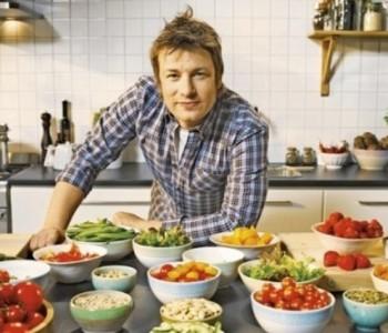 Банкротираше: Познатиот готвач Џејми Оливер остана без скршен денар
