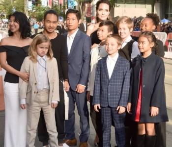 Анџелина Џоли со шесте деца на премиерата на нејзиниот нов филм