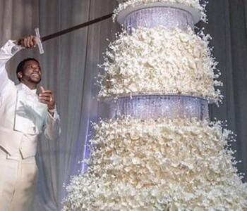 Младоженецот ја сечеше со меч: Ова е најголемата свадбена торта што сте ја виделе