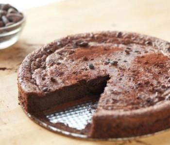 Брза чоколадна торта од само две состојки