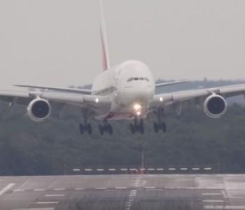 Сите маки на патниците на долгите летови (видeо)