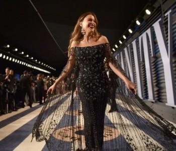Тоалети кои мора да ги видите: Ѕвездите блеснаа на забавата по Оскарите
