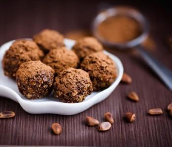 Чоколадни пралине со кекси : Најбрз рецепт без миксер и печење