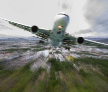 Трикови за полесен авионски лет со дете