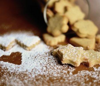 Во пресрет на празниците: Направете вкусни божиќни колачи
