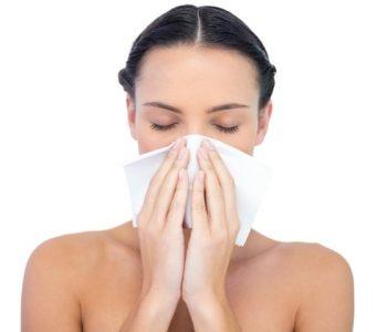 Ве мачи затнат нос? Пробајте го овој трик (ВИДЕО)