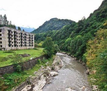 Овде природата победи: Градот на духовите во Русија е вистинска атракција за туристите (ВИДЕО)