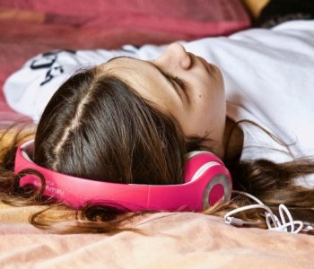 Заборавете броење овци – со оваа музика лесно ќе заспиете