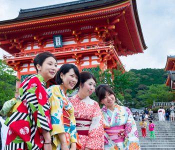 Јапонците очајни, ќе имаат 10 неработни денови