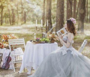 Девојка пратила покани за венчавка уште пред да биде запросена!