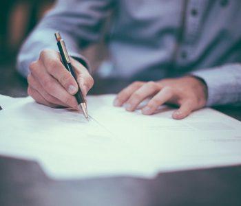 Го знаете ли овој трик: Бубачка, хартија, пенкало и забавата почнува (видео)