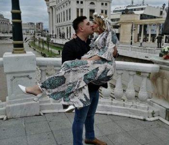 Нашиот пејач Маријан Стојановски се ожени во корона услови (фото)