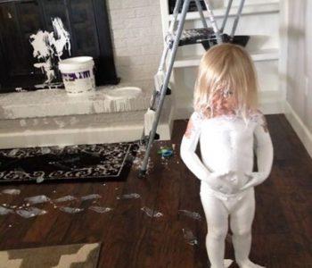 Урнебесни фотографии: Еве зошто не треба децата да ги оставите сами