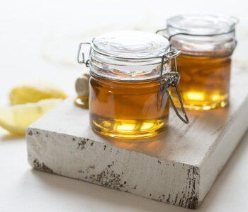 Како да го препознаете природниот мед?