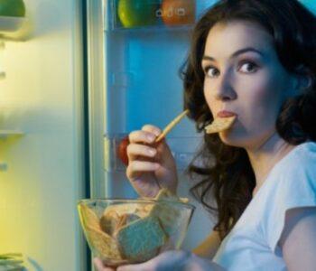 Еве како успешно да го одбегнувате несаканото дружење со фрижидерот